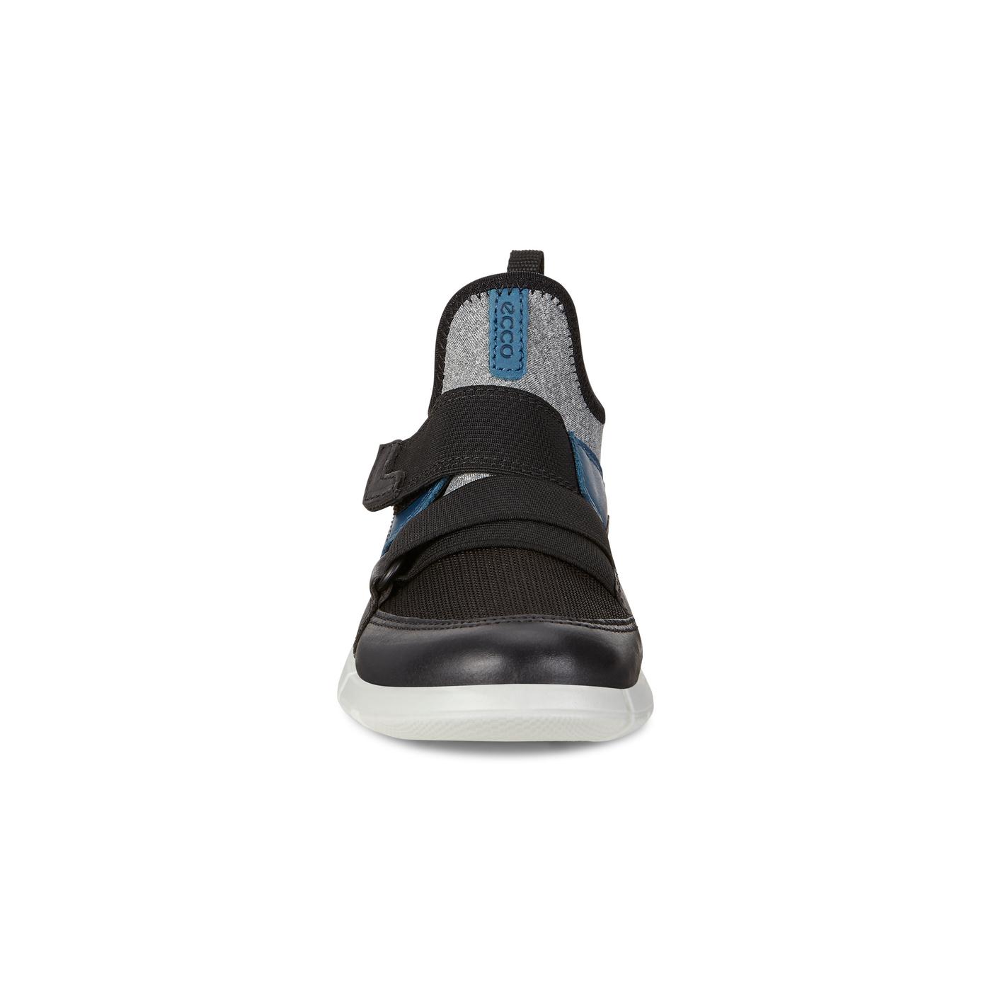ECCO Intrinsic Sneaker
